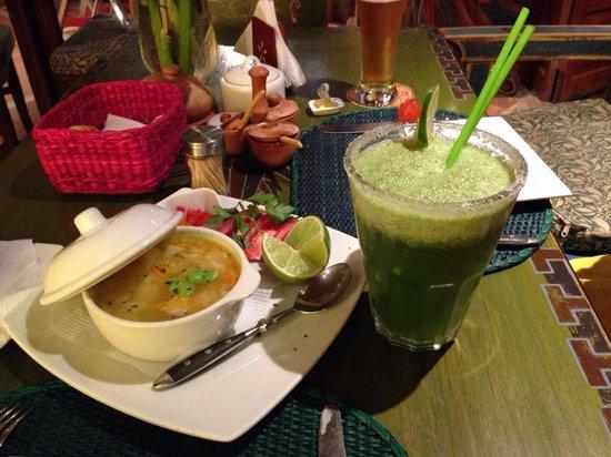 El Indio Feliz Restaurant Bistro: Creole soup and lemonade