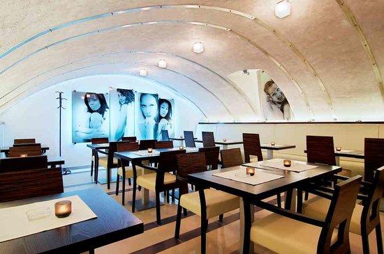Angels Restaurant & Bar : rathskeller