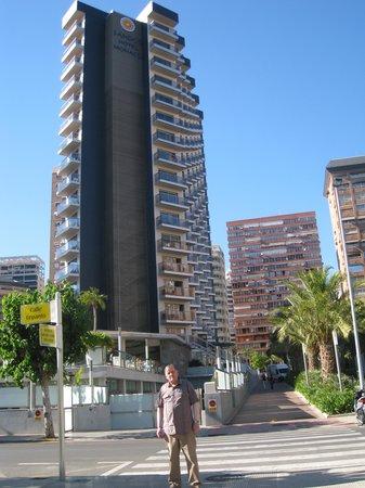 Sandos Monaco Beach Hotel & Spa: Impressive or what?