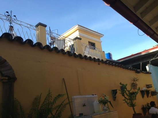 Casa Colonial Torrado 1830 : looking up to the sun terrace