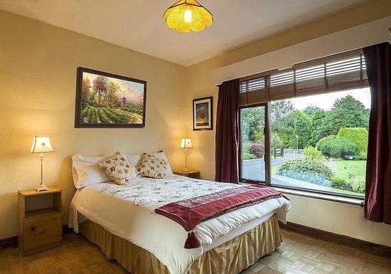 Crossriver Bed & Breakfast : Downstairs bedroom