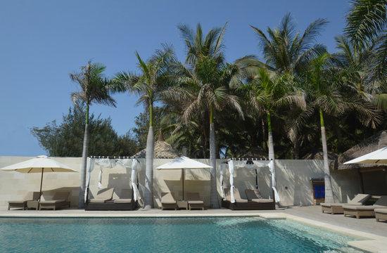 Sunsea Resort: Cabanas on the Infinity Pool