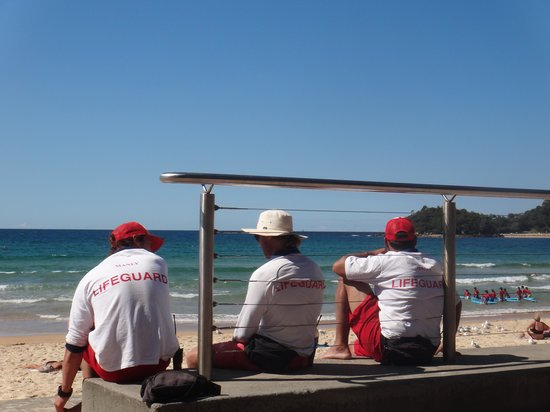 Manly Beach : Manly Surf Lifesavers