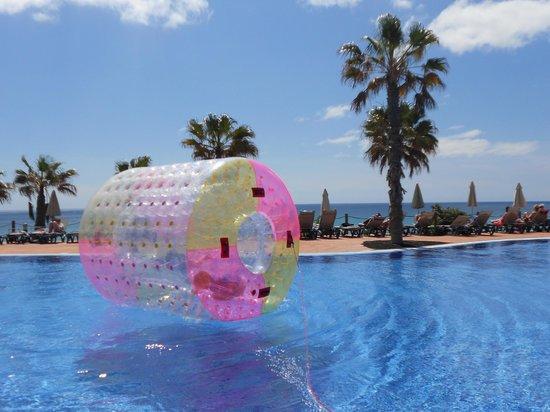 H10 Tindaya Hotel : Una de las piscinas