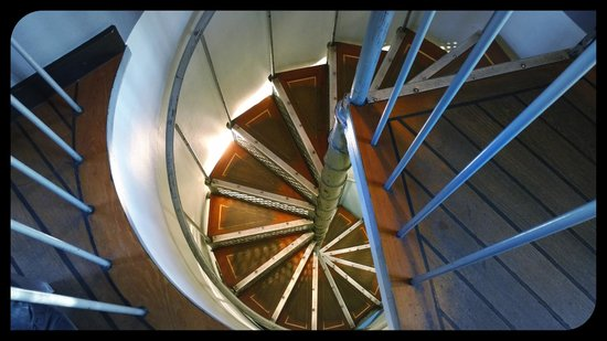 Solo Sokos Hotel Torni : Spiral stairs leading to rooftop bar.