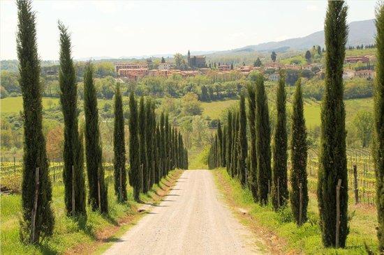 Borgo di Casagrande: Entrada al Borgo Casagrande