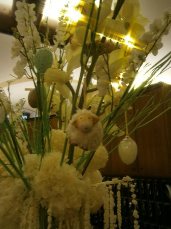Domus Carmelitana: Easter decorations
