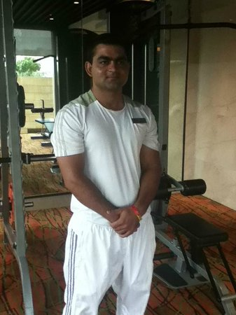 Courtyard Gurgaon: A member of the fine training staff at the gym