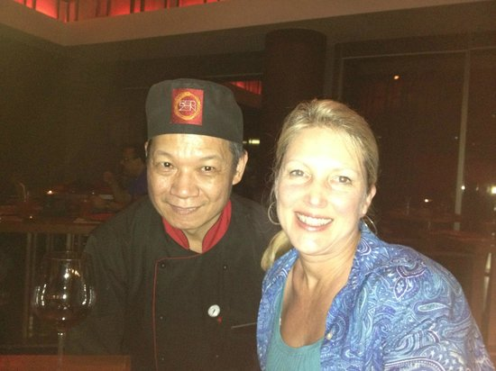 Courtyard Gurgaon: My favorite chef! Red Zen restaurant.
