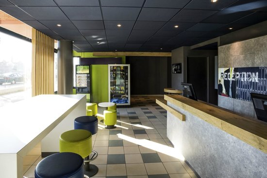 Ibis Budget Orly Chevilly Tram 7 : Hall d'accueil