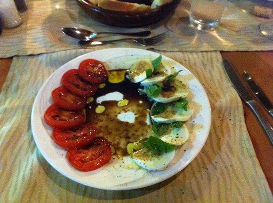 Leonardo's Restaurant: Der Klassiker: Tomaten mit Mozzarella