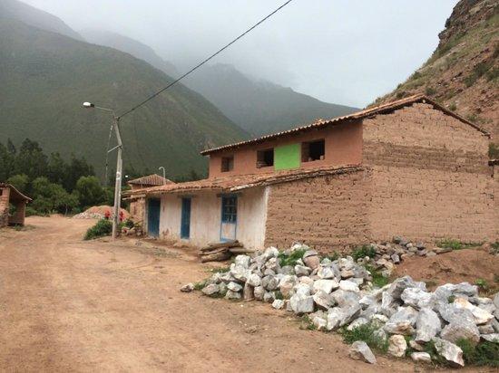 Salinas de Maras: hameau en bas des salines