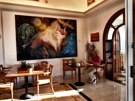 Hotel Villa Guadalupe: Art work in dining room  Wonderful!!
