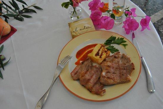 Hotel El Eden: Carne de Cerdo Ibérico a la Brasa