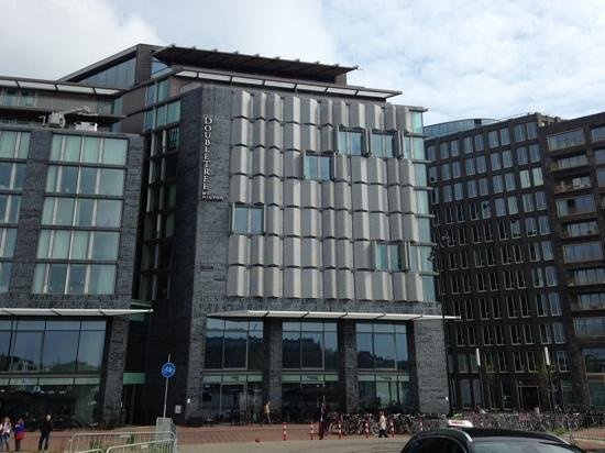 DoubleTree by Hilton Hotel Amsterdam Centraal Station: the front and sky bar