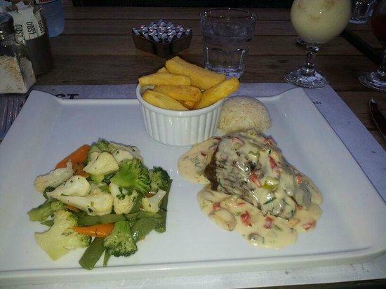 Dost Restaurant: .