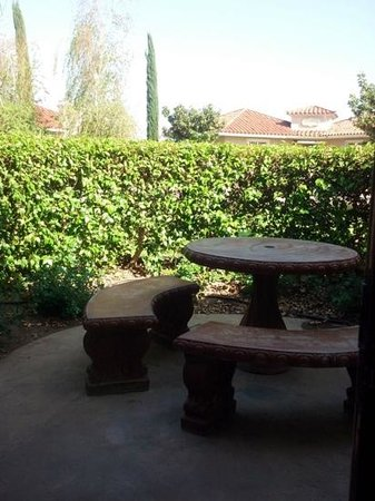 South Coast Winery Resort & Spa: Patio for villa 1402...not a vineyard view