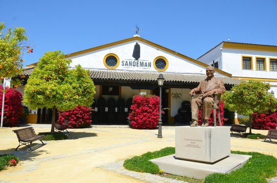The House of Sandeman Jerez: Front