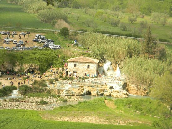 Casale Il Grottino: panorama cascatelle