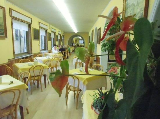 Hotel Vittoria Orlandini: Frühstrücksraum