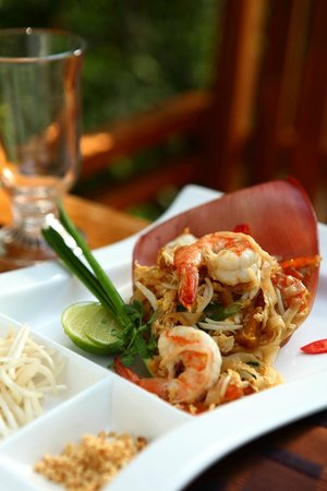 Raya Restaurant and Wine Bistro : Pad Thai with Tiger prawn