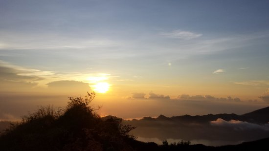 Bali Trekking Tour: The Sunrise!!