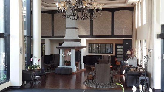 Protea Hotel by Marriott Hilton: Entrance