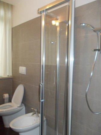 Residence Diamanterosso: la doccia