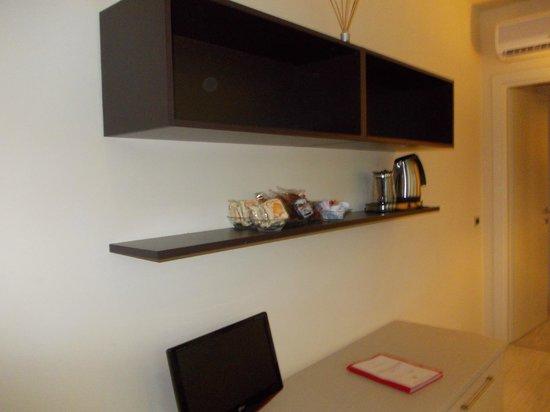 Residence Diamanterosso : Mobili della cucina