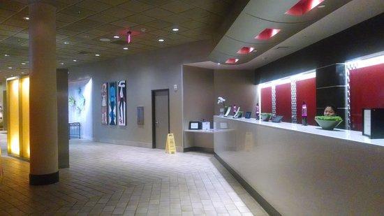 Crowne Plaza Hotel Boston - Natick: Hotel Lobby - Front Desk