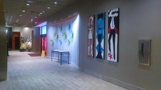 Crowne Plaza Hotel Boston - Natick: Hotel Entrance/Lobby