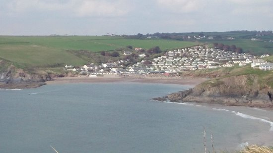 Bigbury-on-Sea Beach : View from Burgh Island to Challaborourgh