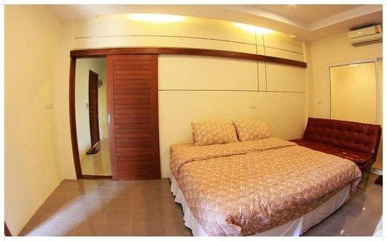 Nateesin Apartment : ในห้องพักคับ