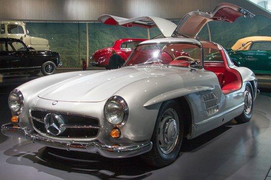 Mercedes-Benz Museum: The legendary gullwing SL300