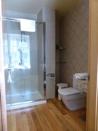 Hotel Casa De Caldelas: Baño de la habitación