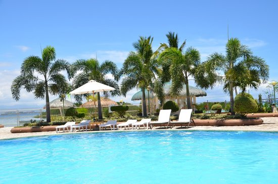 Sagastrand Beach Resort : Seaview over the pool