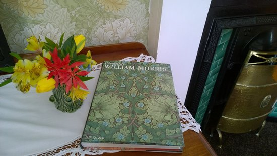The Braighe Bed and Breakfast: William Morris detail