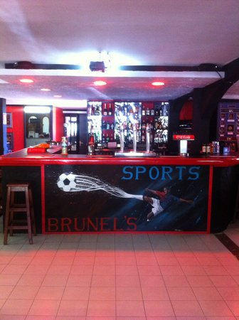 Brunel's Family Sports Bar Pto de Alcudia : The new bar front, hand painted by local artist