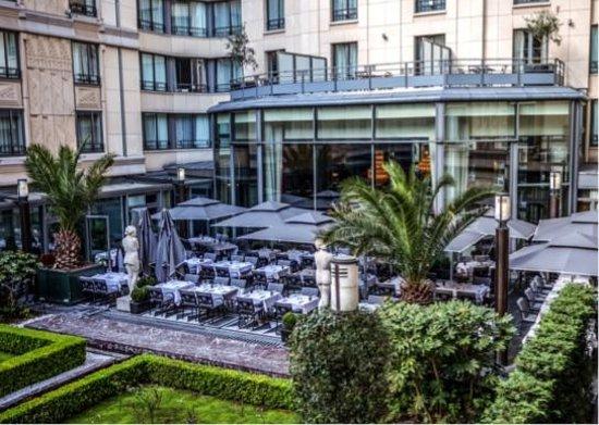 Hotel du Collectionneur: Terrace