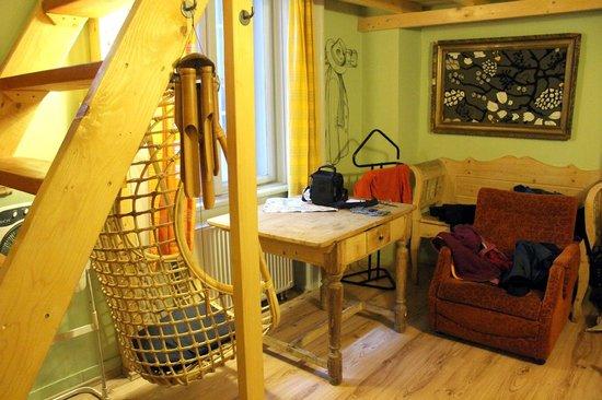 Lavender Circus Hostel: Pokój