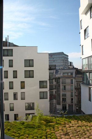 Aloft Brussels Schuman Hotel: View from room