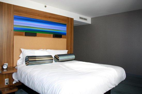 Aloft Brussels Schuman Hotel: Bed