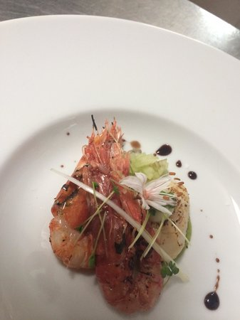 Assaggi : Local prawns and king scallop sashimi