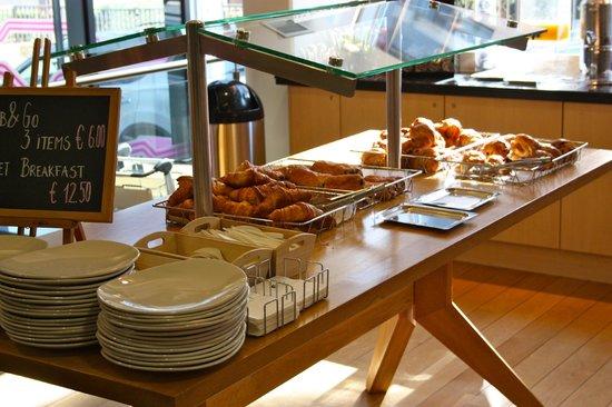 Aloft Brussels Schuman Hotel : Breakfast