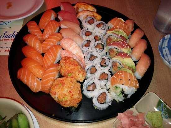 Fuki Sushi Bar: Our main order