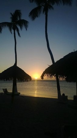 Holiday Inn Resort Aruba - Beach Resort & Casino: Beautiful sunsets every night