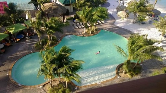 Holiday Inn Resort Aruba - Beach Resort & Casino: One of two main pools