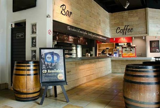 The Barnyard Theatre Cresta: Bar & Coffee bar