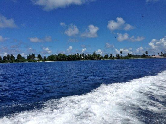 Shangri-La's Villingili Resort and Spa Maldives: speed boat