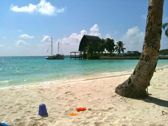 Shangri-La's Villingili Resort and Spa Maldives: beach
